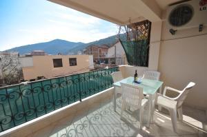 A balcony or terrace at Apartments Maini