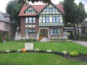 Picture of Barrington Manor Bed and Breakfast