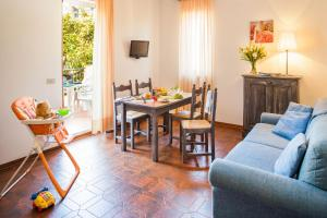 A restaurant or other place to eat at Il Borgo Della Rovere
