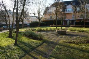 Vrt ispred objekta L'EUROPEEN
