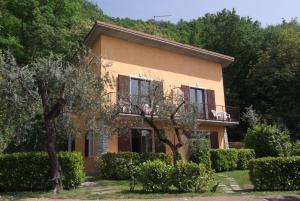 villa girasole italien torri del benaco. Black Bedroom Furniture Sets. Home Design Ideas