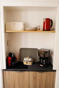 Coffee and tea-making facilities at Acropolis loft Nice Garibaldi