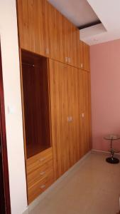 A television and/or entertainment center at 8 FRIENDSHIP PLACE, NTINDA