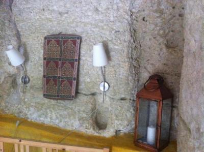 bed and breakfast troglodyte loft, thoré-la-rochette, france