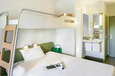 Hotel ibis budget Muenchen Putzbrunn, Germany - Booking.com