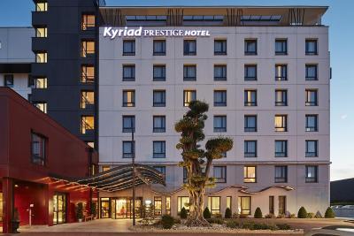 kyriad prestige lyon est saint priest eurexpo hotel and. Black Bedroom Furniture Sets. Home Design Ideas
