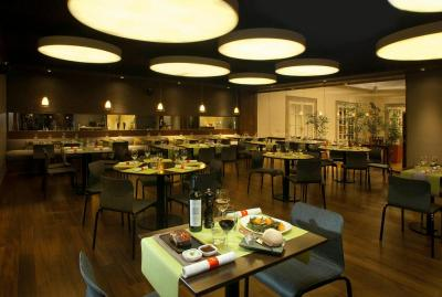 Austral Plaza Hotel - Image2