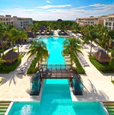 Hotel royal service at paradisus la perla playa del for Villas las perlas playa del carmen