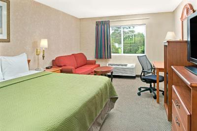 travelodge lincoln ne. Black Bedroom Furniture Sets. Home Design Ideas
