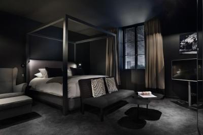 petit h tel confidentiel chamb ry precios actualizados 2018. Black Bedroom Furniture Sets. Home Design Ideas