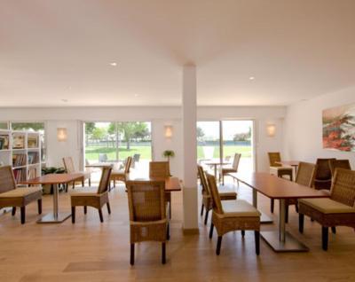 Hotel le crouesty france arzon - Port du crouesty restaurant ...