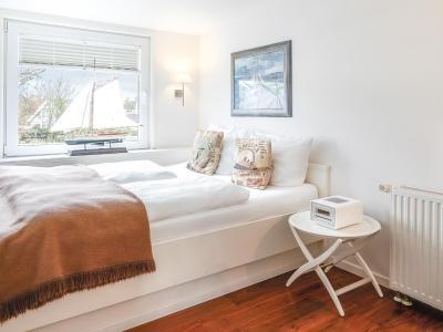 hotel long island house sylt westerland germany. Black Bedroom Furniture Sets. Home Design Ideas