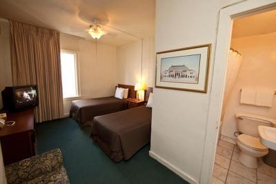 Cecil Hotel Los Angeles Ca Booking Com