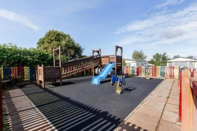 Bucklegrove holiday park cheddar uk - Cheddar gorge hotels with swimming pools ...