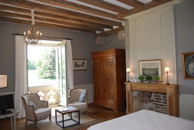 Chateau des arpentis amboise france for Decoration fenetre post it