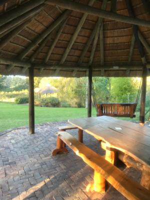 Barnyard Log Cabins, The Crags – Updated 2019 Prices