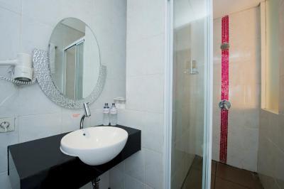 J Hotel Bandara Hatta (Indonesien Tangerang) - Booking.com