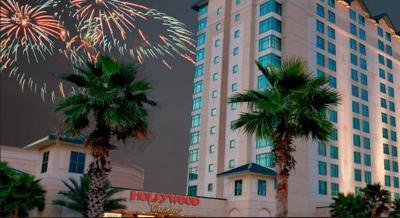 Resort Hollywood Casino Bay Saint Louis VS Bay Saint Louis
