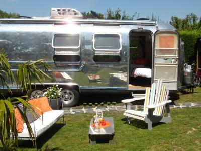 caravane airstream am ricaine 1976 les sorini res tarifs 2018. Black Bedroom Furniture Sets. Home Design Ideas