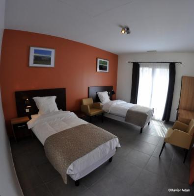 h tel douce france cuxac d aude avec des avis. Black Bedroom Furniture Sets. Home Design Ideas