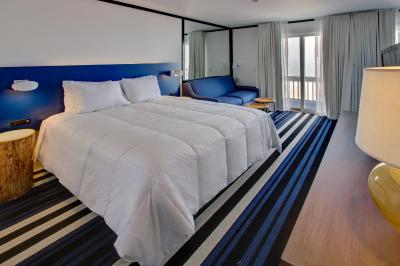 montauk blue hotel ny. Black Bedroom Furniture Sets. Home Design Ideas