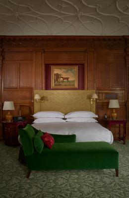 Booking com cumberland hotel london