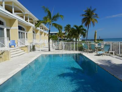 glunz ocean beach hotel and resort marathon fl. Black Bedroom Furniture Sets. Home Design Ideas
