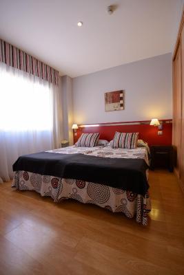 gran imagen de ApartHotel Ascarza Badajoz