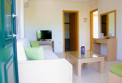 Olive Tree Apartments - Skala Fourkas, Halkidiki