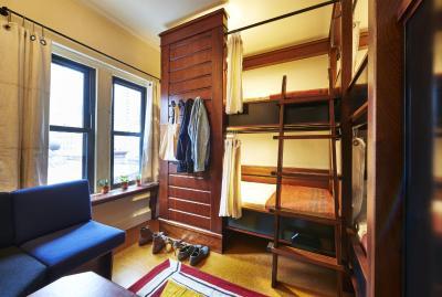 freehand chicago il. Black Bedroom Furniture Sets. Home Design Ideas