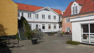 Hotel Marinella (Danmark Lønstrup) - Booking.com