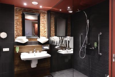 aux terrasses tournus tarifs 2019. Black Bedroom Furniture Sets. Home Design Ideas
