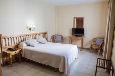 Hotel Tres Jotas