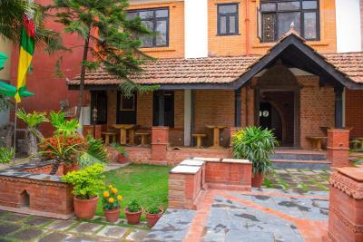 Nepalese Book - Online hotels reservation in Kathmandu - Hotel Ganesh Himal*