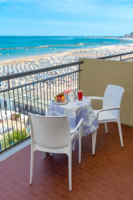 Hotel Belsoggiorno (IT Cattolica) - Booking.com