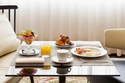 Hotel Melia Milano Booking