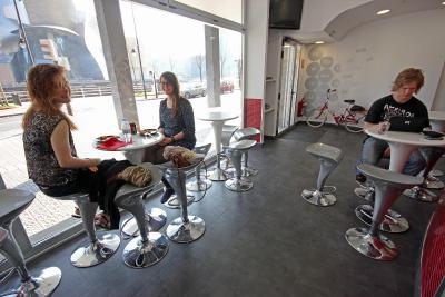 gran imagen de Botxo Gallery - Youth Hostel Bilbao