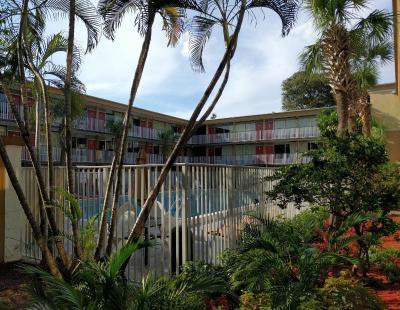 Red Carpet Inn Airport Fort Lauderdale Fl Booking Com