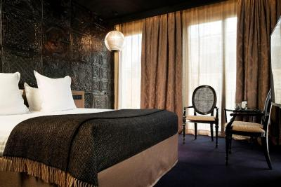 hotel eug ne en ville paris france. Black Bedroom Furniture Sets. Home Design Ideas