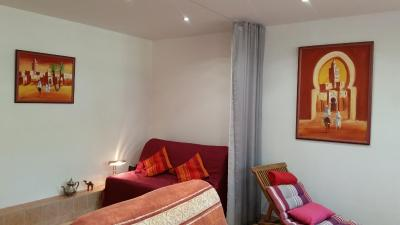 Bed and Breakfast Chambre Avec Jardin Pierre Curie, Bry-sur-Marne ...