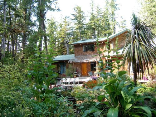 Clayoquot Cedar House