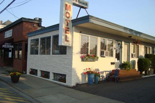 Town & Beach Motel