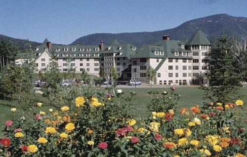 Golden Eagle Lodge Resort