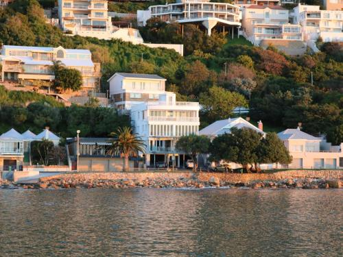 Bikini Beach Suites