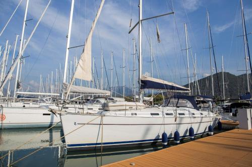 Salerno sailing charter
