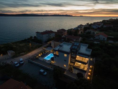A bird's-eye view of Luxury Home Polo
