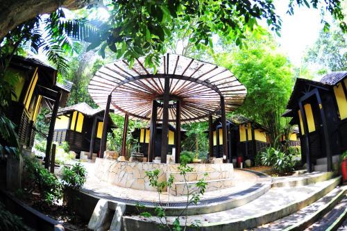 Costa Sands Sentosa Kampung Hut