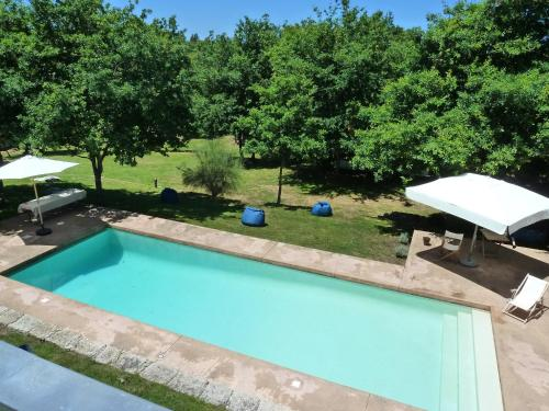 A view of the pool at Casa de Pardelhas or nearby