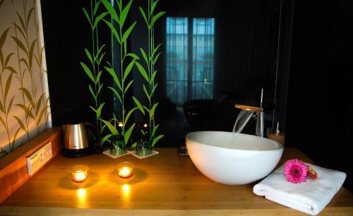 A bathroom at Royal Spa Apartment