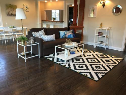Chic and Charming 1 bdr